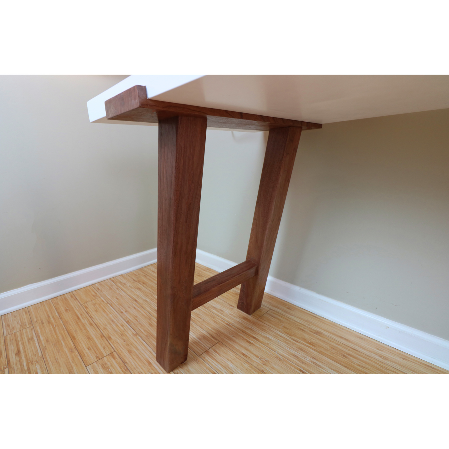 Quality desk construction with a modern flair