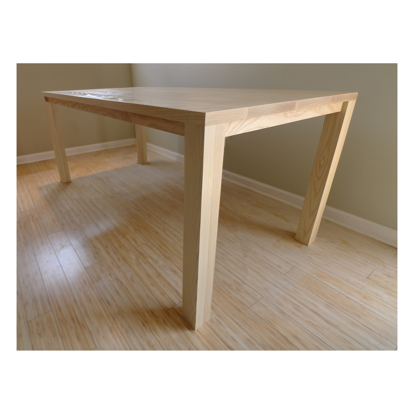 8 foot long solid wood dinning room table